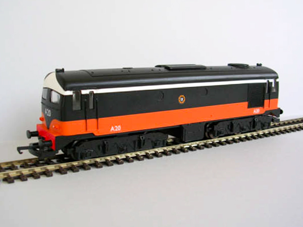 001class_black_orange
