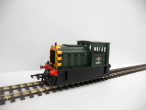 D2950 Hunslet Docks Shunter Green wasp stripes