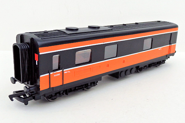 ie_dutch-van-black-orange-1